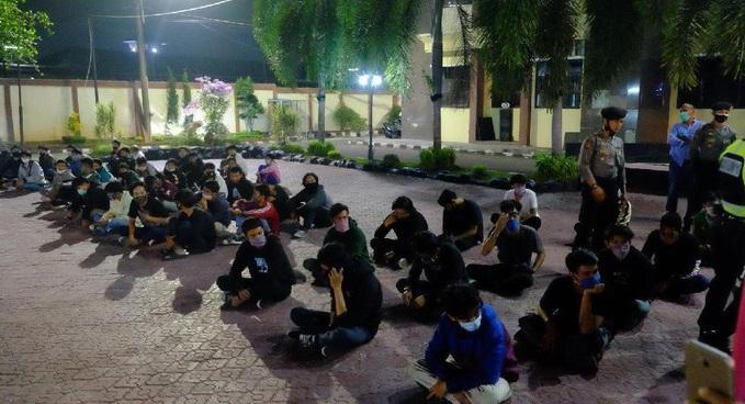 Haduh Polres Karawang Tangkap 141 Orang Demonstran 48 Positif Narkoba Portal Berita Karawang Center