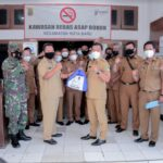 ASN Karawang Sumbang 10 Ribu Paket Sembako Untuk Warga yang Isoman