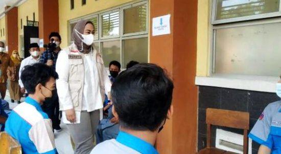 Vaksinasi Pelajar Capai 90 Persen, PTM SMA-SMK di Karawang Siap Digelar